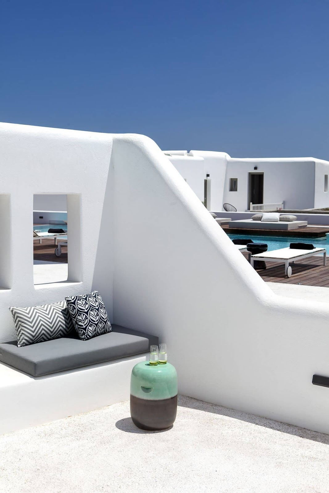 Decordemon lyo boutique hotel the new heart of mykonos for Boutique hotel 06