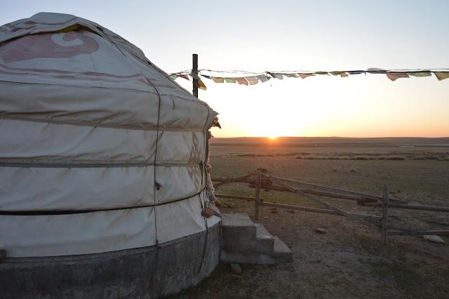 Lever de soleil sur le campement
