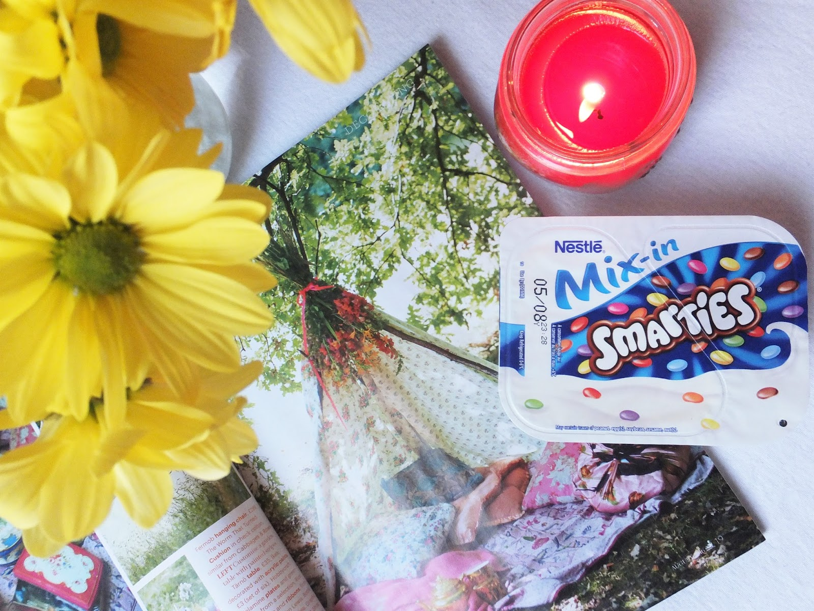 Flowers-Country-Living-Candle-Smarties-Yoghurt