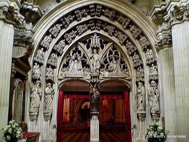 Parteluz Catedral de San Salvador, Oviedo, Asturias