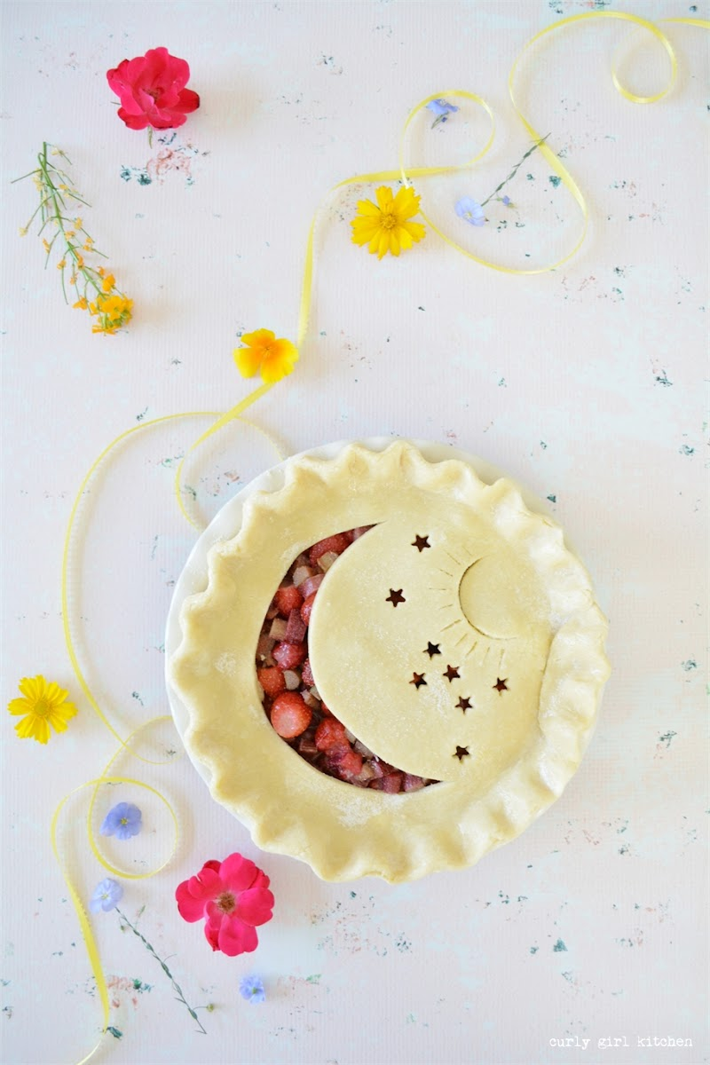 Strawberry Rhubarb Pie, Game of Thrones, Pie Decorating Ideas, Game of Thrones Pie