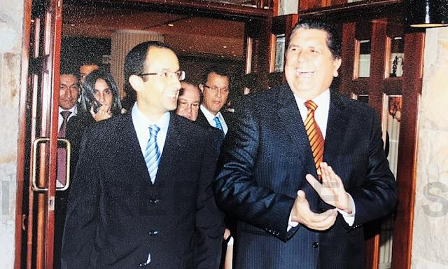 Alan García celebrando los 30 años de aniversario de la constructora brasileña Obedrecht