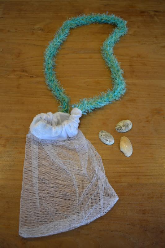 zakken met schelpen