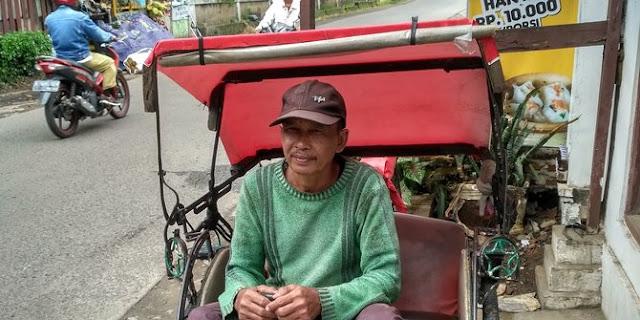 Senangnya tukang becak bisa kembali cari nafkah di Jakarta