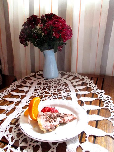 rebarbarahabos sütemény szelet   törökszegfűvel
