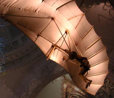 Máquina voadora invenção de Máquina de voar de Leonardo Da Vinci