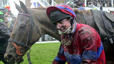 Red Marauder Wins 2001 Grand National
