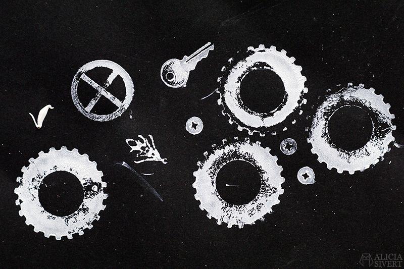 aliciasivert alicia sivert sivertsson art konst skapande kreativitet skrottryck junk printing print nyckel key kugghjul skruv