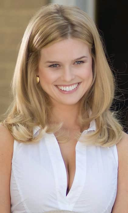 Hollywood Actress Wallpaper: Alice Eve Wallpapers