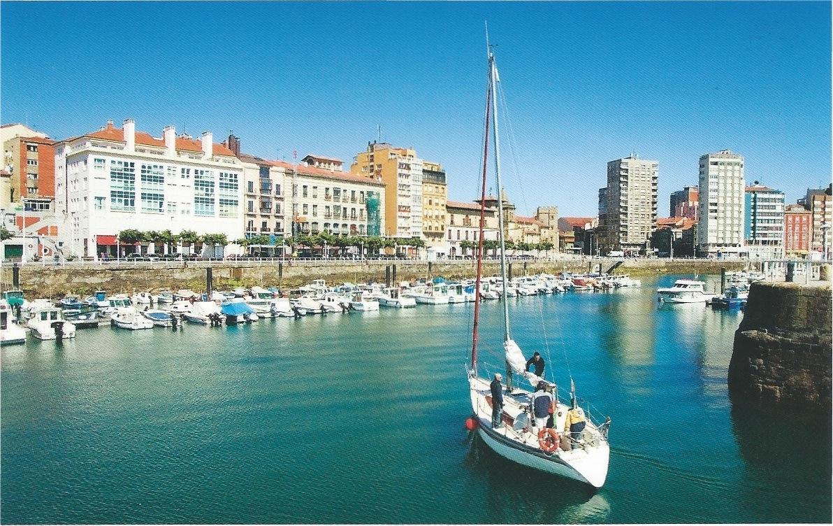 La atalaya nocturna lunes de postal monday 39 s postcard puerto deportivo de gij n - Cines puerto deportivo getxo ...