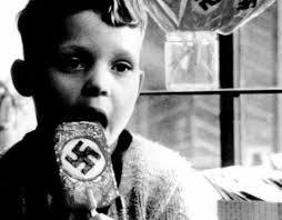 Ecologismo y nazismo: del animalismo extremo al genocidio nazi, Tomás Moreno, Ancile