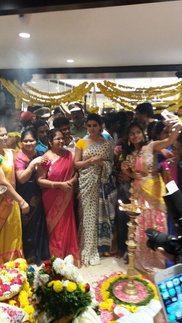 Samantha at Akruthi Silks Launch in Chirala