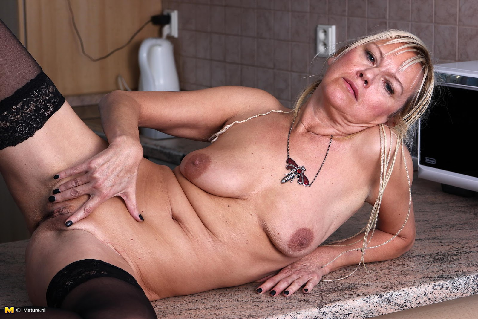Older women wanking