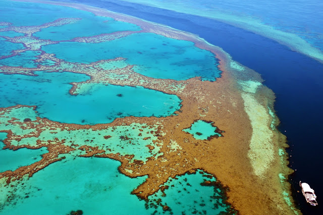 scenic flight over the great barrier reef