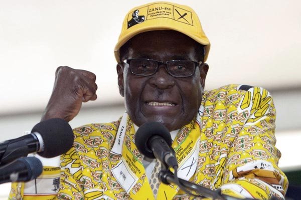 #BreakingNews :#Putsch in Zimbabwe ! Power slips from Robert Mugabe as military steps in