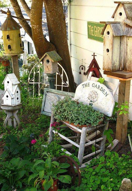 Diverses décorations au jardin