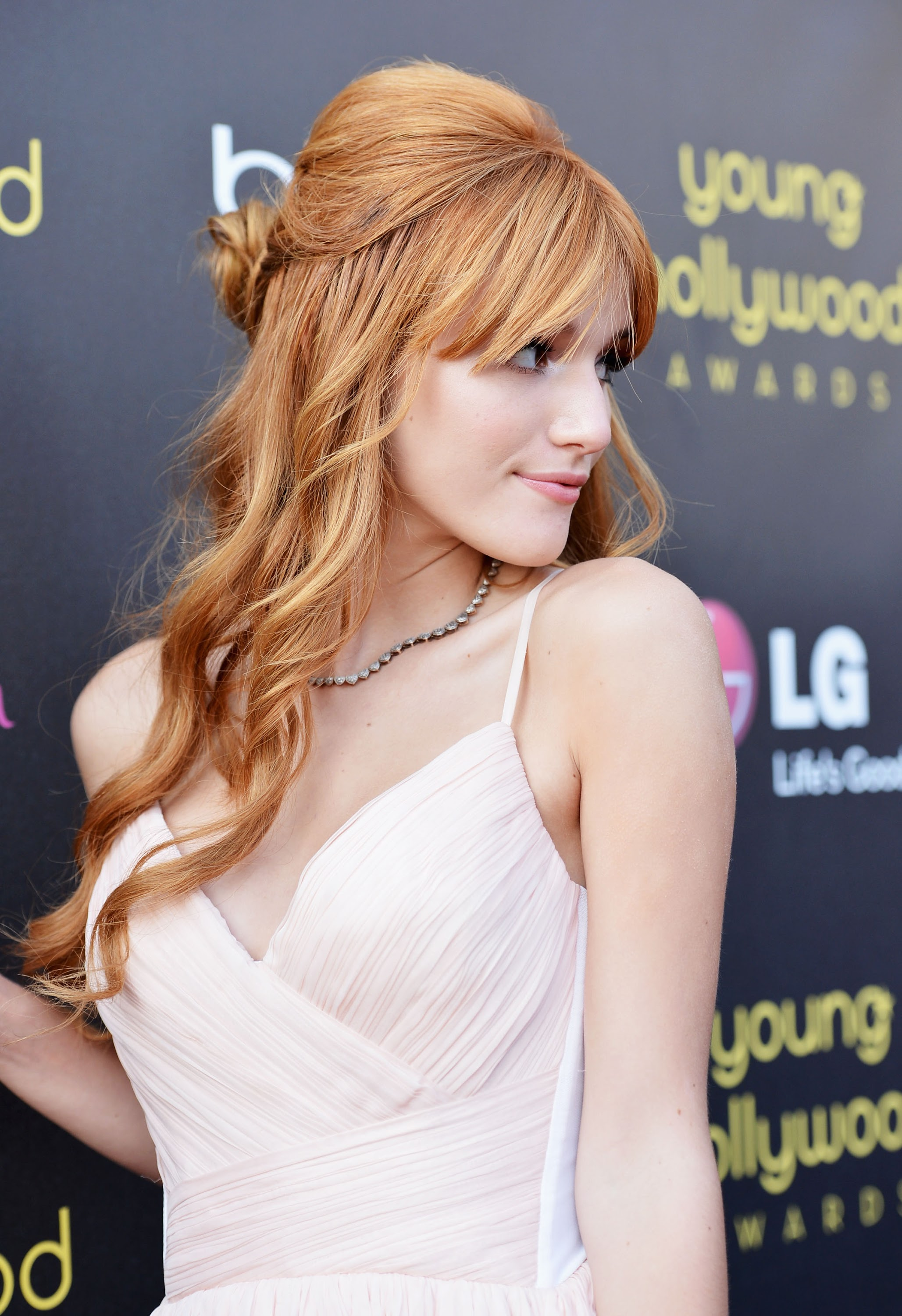Bella Thorne pictures gallery (29) | Film Actresses