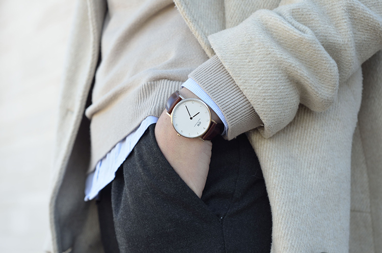 classic-look-daniel-wellington-watch-casual-trends-gallery