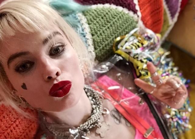 Y se viene no mas la pelicula de Harley Quinn. Mira el teaser aqui.