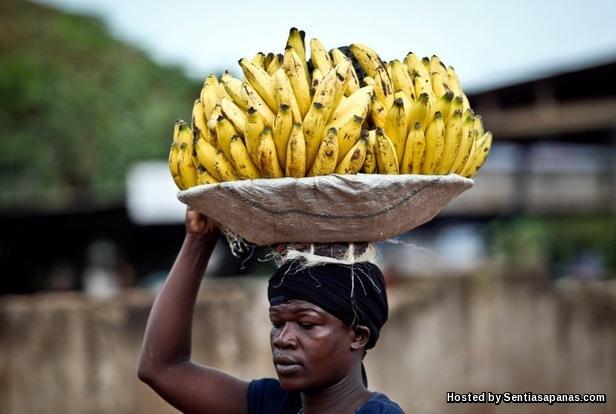 Uganda and Banana.jpg