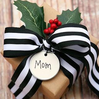 Prezenty świąteczne dla Rodziców - wyjątkowe upominki od serca!