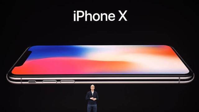 O sucesso do iPhone X mostra o quanto os compradores estão dispostos a gastar por um smartphone emblemático da Apple.