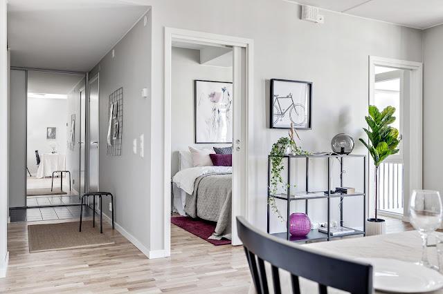 Soluție practică de amenajare a dormitorului într-o garsonieră de 46 m²
