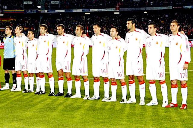 Hilo de la selección de España (selección española) Espa%25C3%25B1a%2B2007%2B10%2B13b