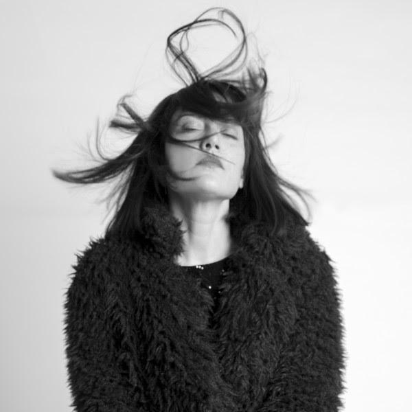 Nina Hartley mangiare nero micio