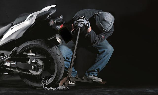 Εξιχνιάστηκαν κλοπές δίκυκλων μοτοσικλετών στο Ναύπλιο - 28χρονος ο δράστης