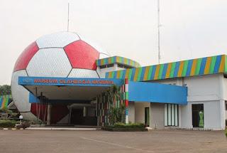 http://www.teluklove.com/2017/05/pesona-keindahan-wisata-museum-olahraga.html