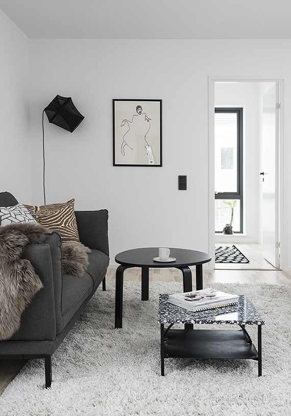 Casual cozy scandinavian living room. Styling by Alexandra Evita Ogonowski, photography by Erik Lefvander