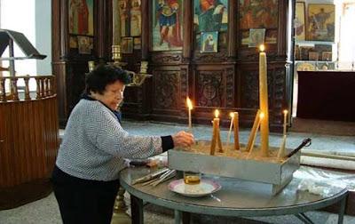 Αγγελική Γιασάρ στην εκκλησία του Ai Γιώργη της Κερύνεια