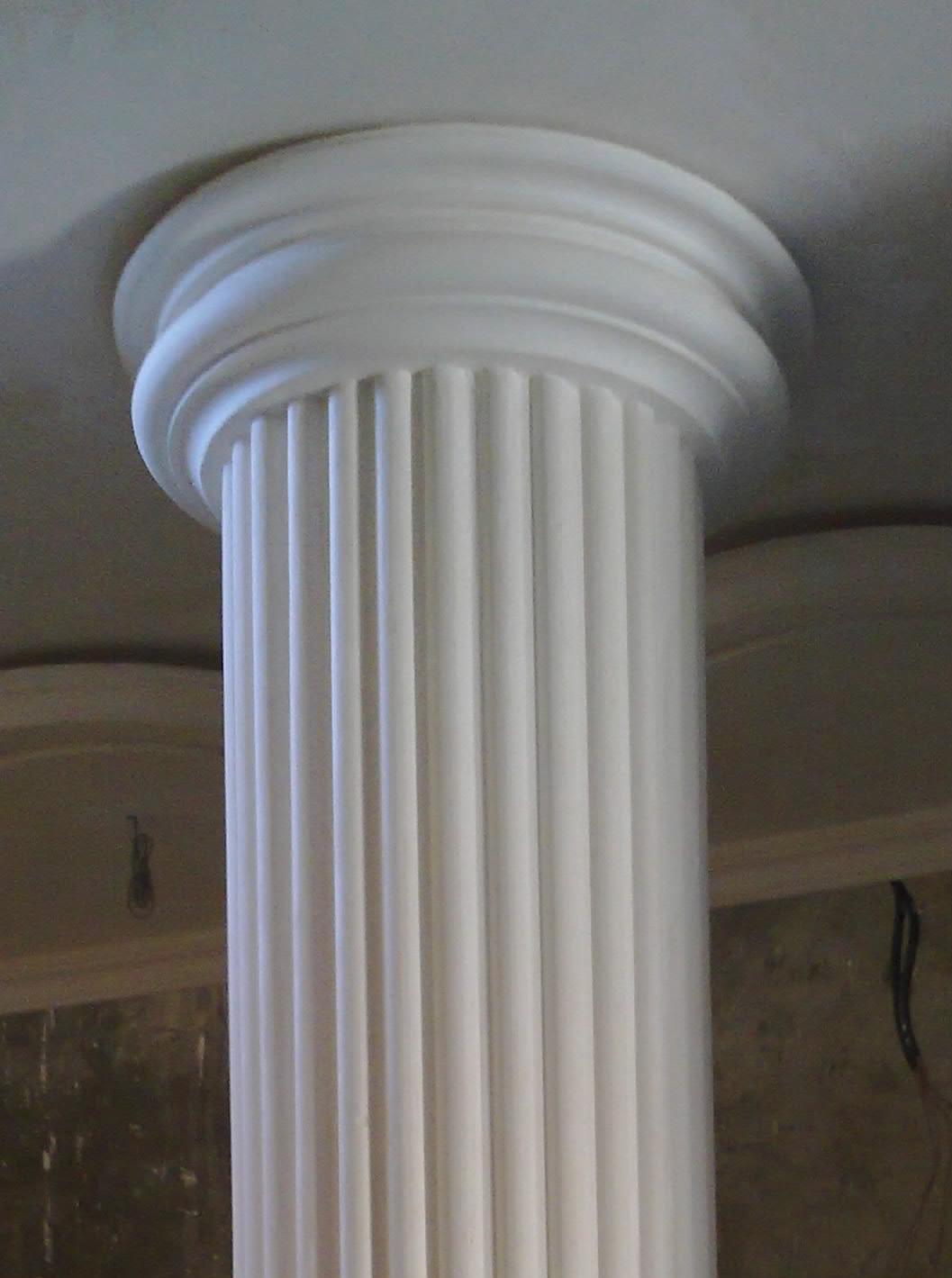Colonnes et des socles de pl tre platre for Colonne platre decor
