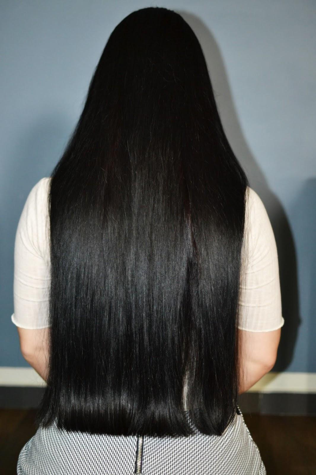 proste, czarne włosy