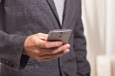 Googlerends bei Schufa EIntrag und Handyvertrag