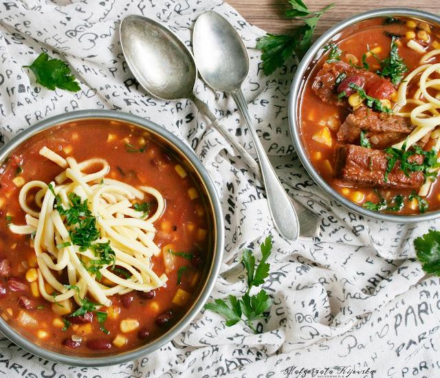 rozgrzewajace danie, rozgrzewająca zupa, na ostro, żeberka, danie jednogarnkowe, daylicooking