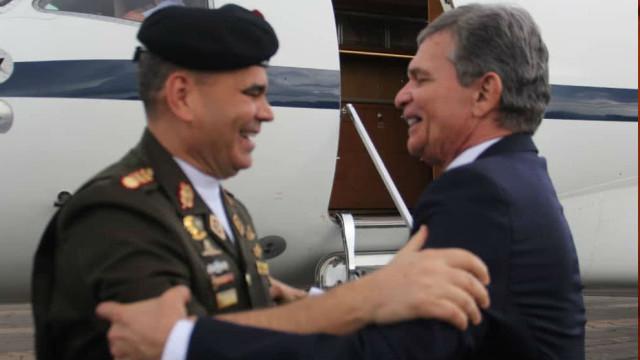 Padrino Lopez le pidió ayuda a ministro de Brasil porque el país está pasando hambre