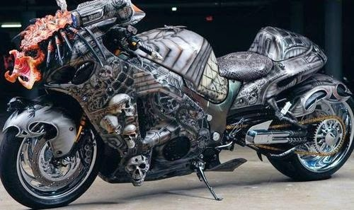 Мотоцикл Сузуки Хищник