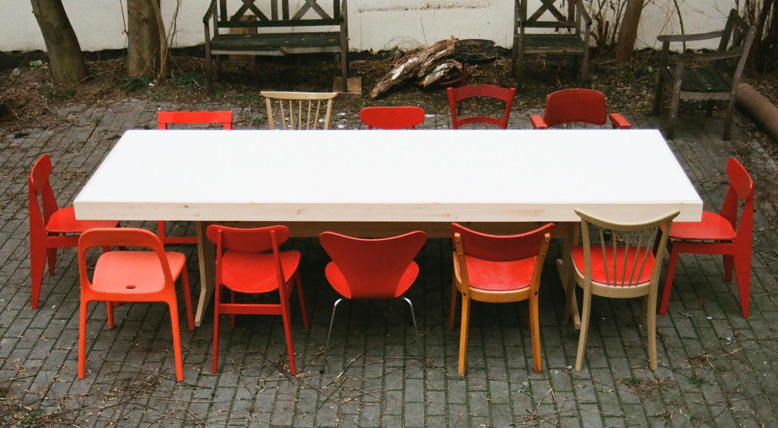 der piscator table ist ein do it yourself mobel aus der reihe des sozialen designprojektes hartz iv mobel hartz iv ist der name der umstrittenen