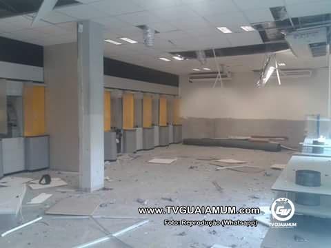 Banco do Brasil é explodido em Goiana