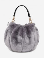 https://fr.zaful.com/sac-a-main-fuzzy-multifonction-p_441840.html?lkid=12340498