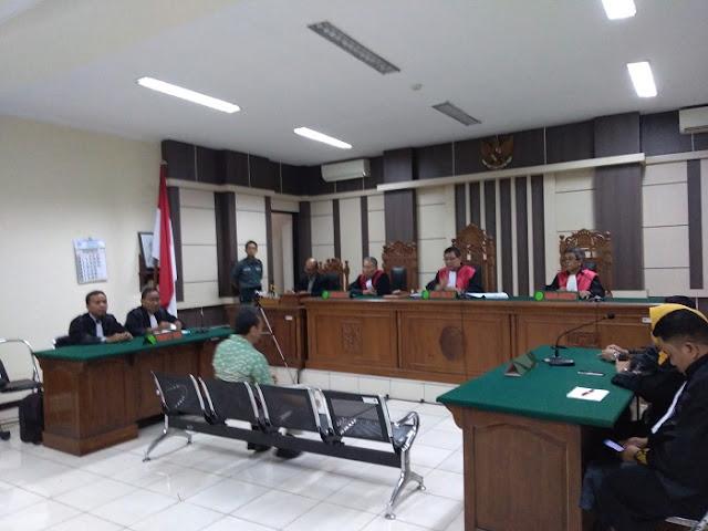 Majelis Hakim Vonis Bupati Kebumen Non Aktif 4 Tahun Penjara