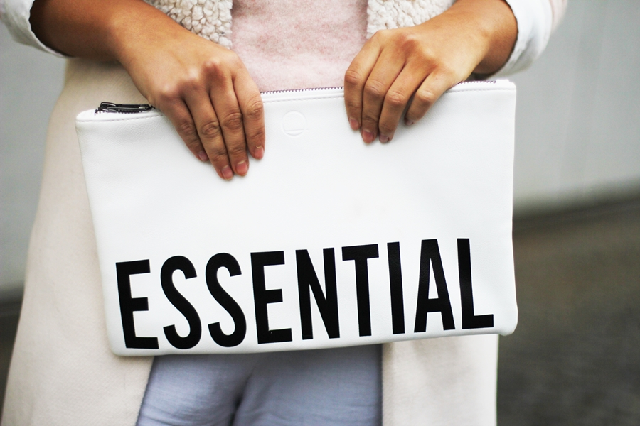 essential clutch fashion blog
