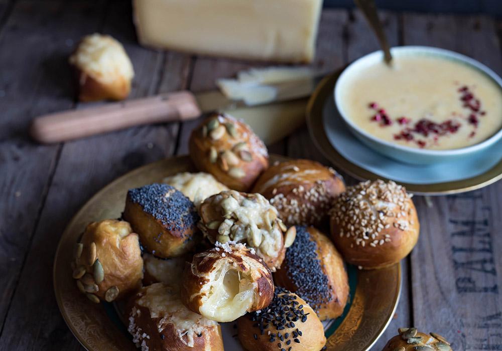 Laugenkonfekt mit Bergkäse und meine Reise des Käsekaisers in Österreich