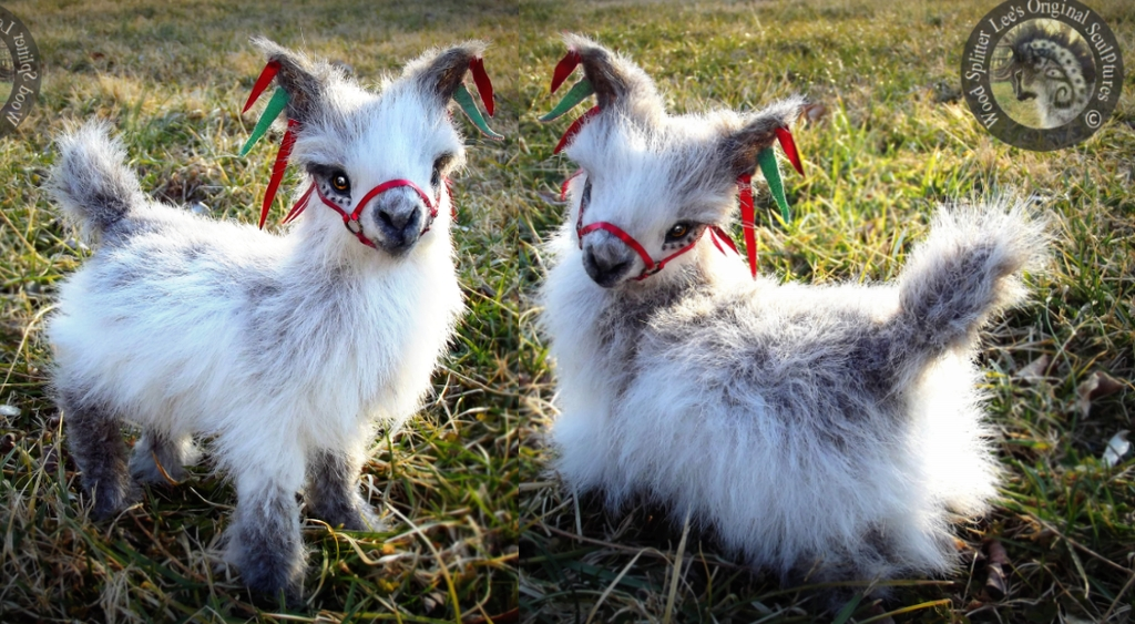 09-Baby-Llamas-Wood-Splitter-Lee-Animals-Art-that-look-Alive-www-designstack-co