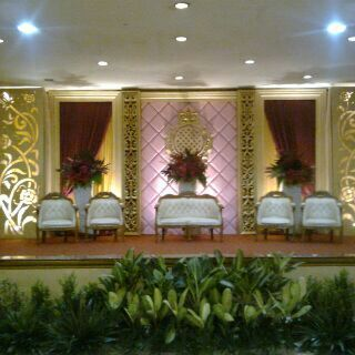 Dekorasi wedding jasa sewa dekorasi wedding murah di setu jika anda sedang mencari dekorasi wedding elegant dekorasi wedding garden party dekorasi wedding outdoor dekorasi wedding gate dekorasi wedding modern junglespirit Choice Image