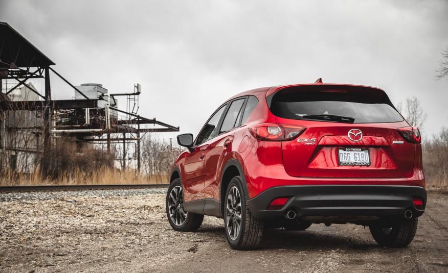 Khả năng xử lý của Mazda trên các con đường phải nói là tốt nhất phân khúc