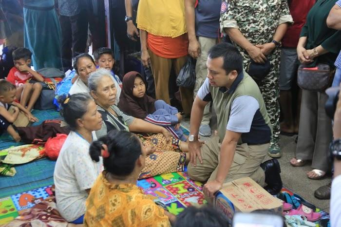 Kehadiran Gubernur Ridho di Pengungsian Ciptakan Ketenangan bagi Ribuan Warga