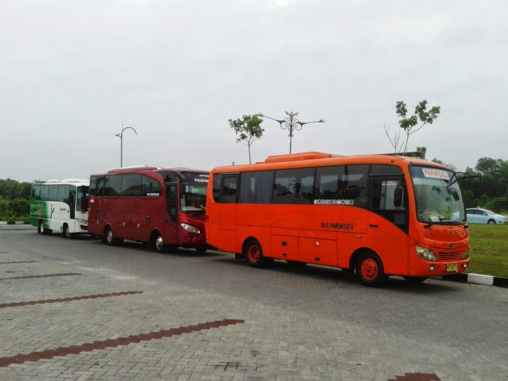 Sewa Bus Pariwisata Pekanbaru 54